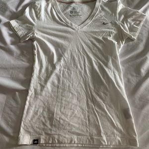 White nike T-shirt